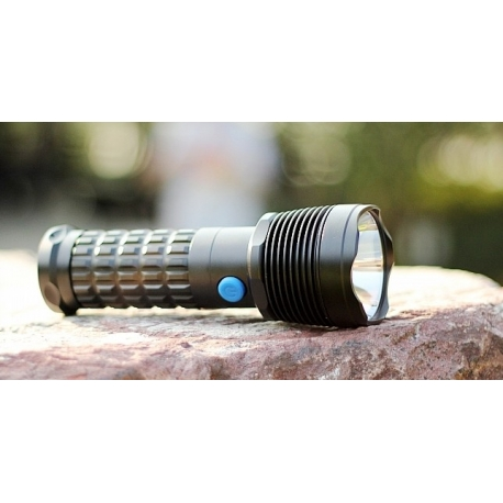 Linterna Olight SR50 Intimidator SST50